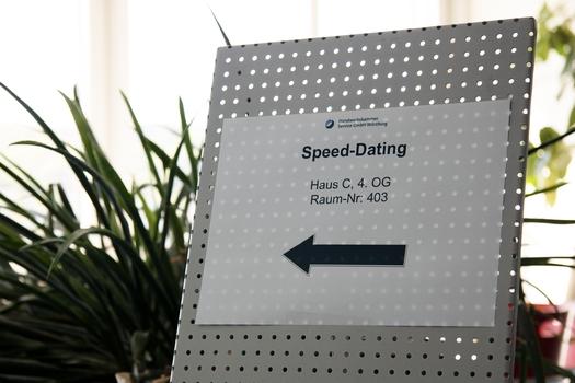 hastighet dating Wurzburg Gratis dating Simulering spill anime